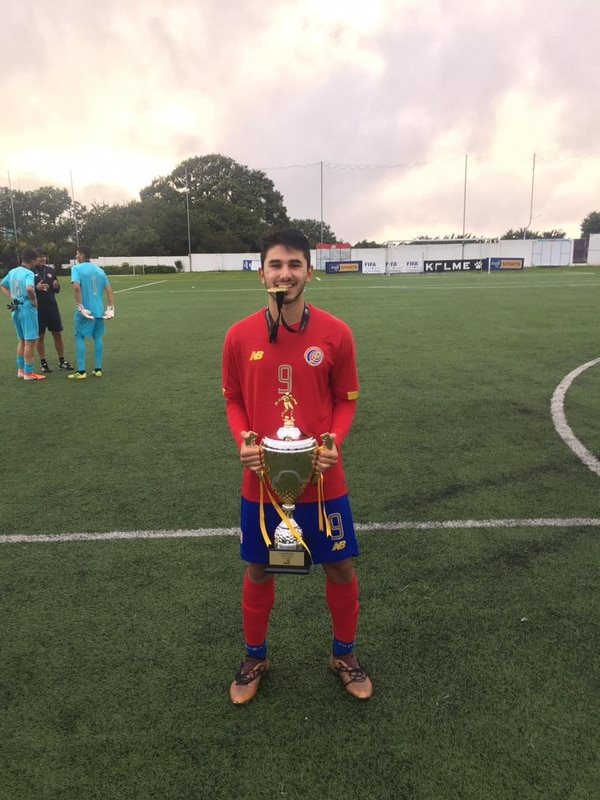 Alejandro Gutiérrez salió campeón con la Sele el año pasado en un torneo sub18 de UNCAF en el que demostró su olfato goleador. Foto: Cortesía.