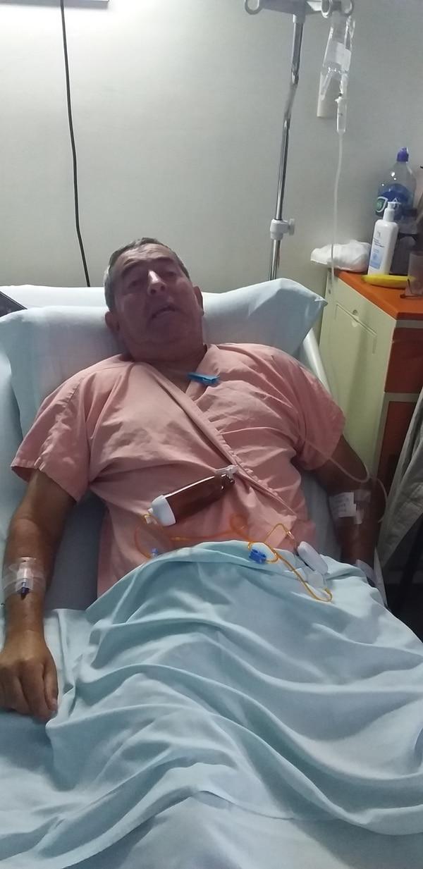 Rodolfo Carpio se operó de cáncer de próstata en el hospital México. Foto: Karen Fernández