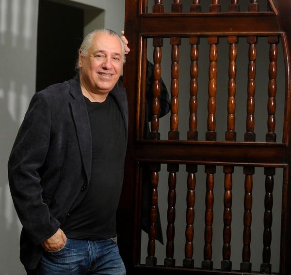 Dionisio Cabal es músico, escritor e investigador de la cultura costarricense. Foto: Luis Navarro
