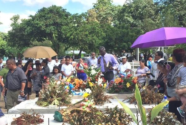 12/10/2017 Este jueves sepultaron a Amado Barrantes, el papá del sindicalista limonense Rolando Blear. Foto: Raúl Cascante.