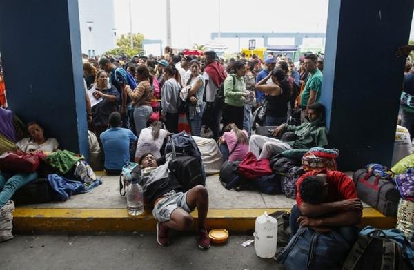 La crisis ha hecho que miles de venezolanos dejen cada año su país. AFP
