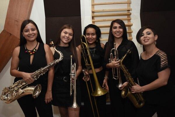 Todas ellas han estudiado música y hasta son profesoras en academias. Foto: Carlos González