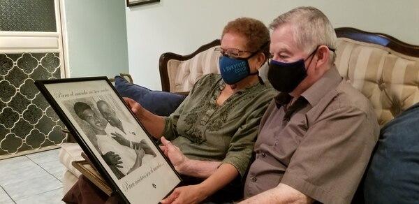 Doña Marcia y don William tienen muchos recuerdos de sus seres queridos, Jorge es uno de ellos, el hijo mayor. Foto: Francisco Barrantes